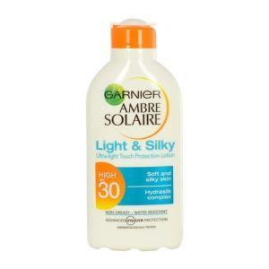 Garnier Ambre Solaire Light  Silky Latte solare protettivo SPF 30  200 ml